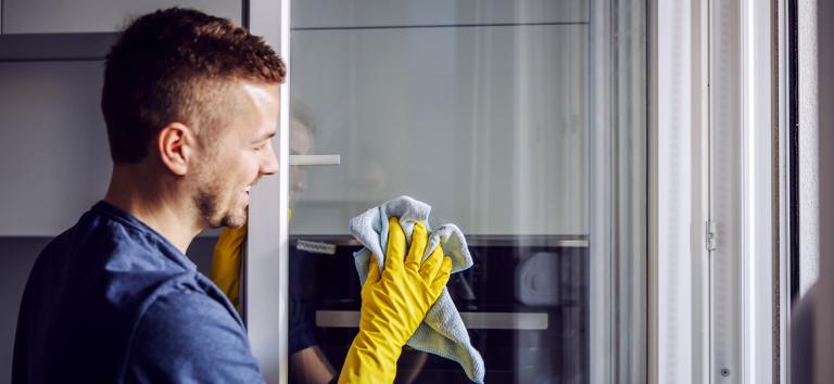 Como manter vidros limpos em obras o reformas